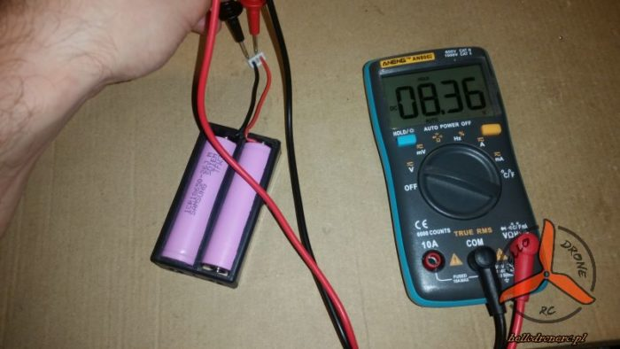 18650 battery bay voltage